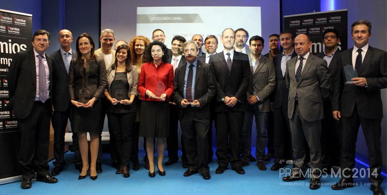 Foto de familia con todos los ganadores y los directivos de TPnet
